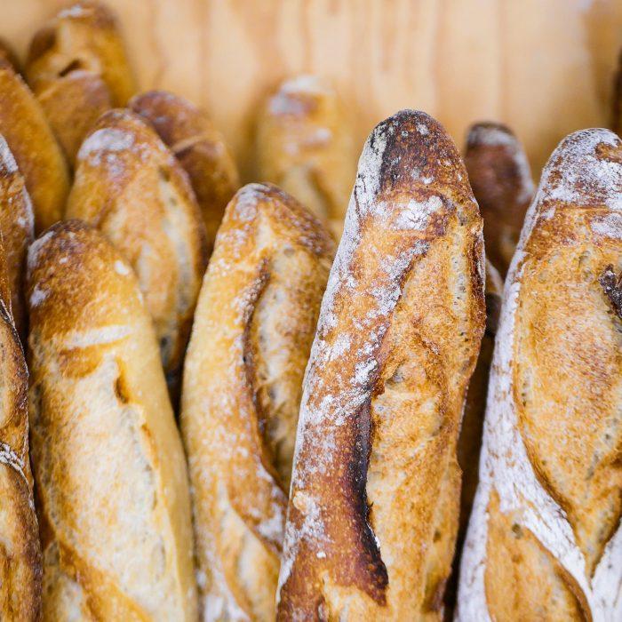 Zoom baguette tradition dans la boulangerie pâtisserie Maison Fortin